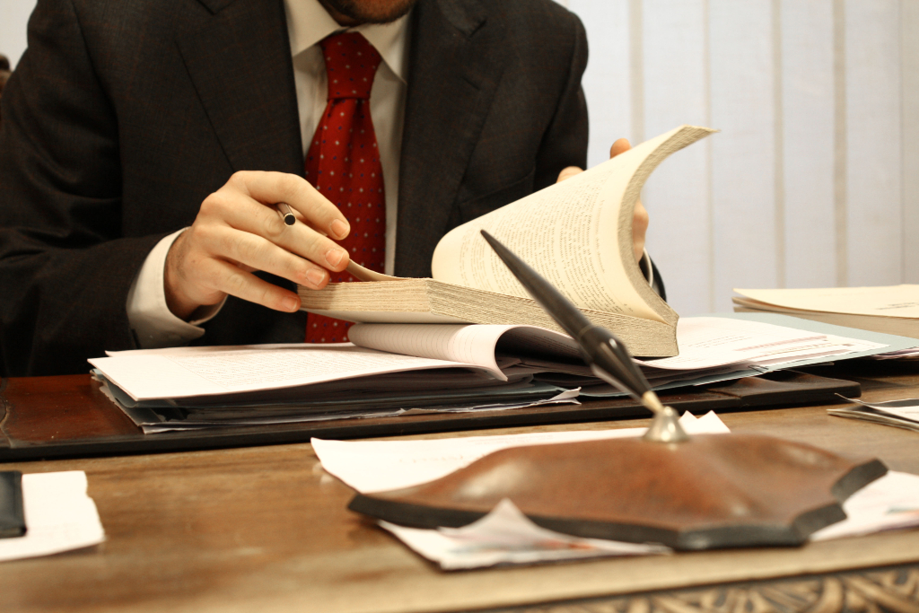 """При настойчивости можно иглой колодец выкопать: юрист """"Единого центра защиты"""" развернул практику в Иркутской области в сторону клиента"""