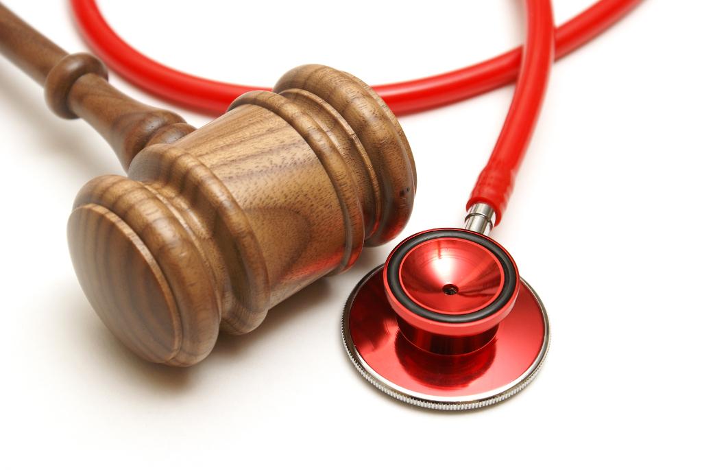 Оренбургские юристы продолжают помогать пациентам медицинских центров