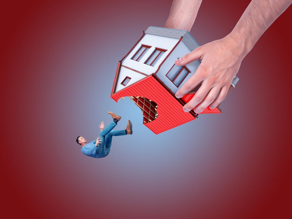 Квартиросъемщики-террористы:  как бороться с арендаторами-неплательщиками?