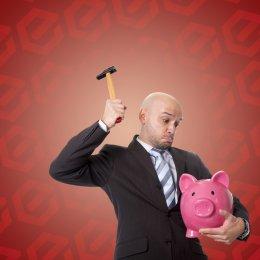 Пристав взыскивает половину зарплаты: как уменьшить сумму удержания?